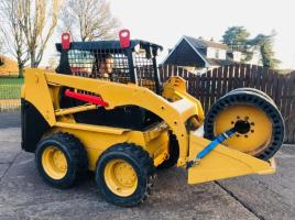 CAT 216B SKIDSTEER C/W FULL SET OF SOLID WHEELS * YEAR 2011 * ONLY 2028 HOURS *SEE VIDEO