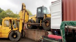 LOADING KOMATSU WA380 WHEELED LOADING SHOVEL IN CONTAINER FOR EGYPT