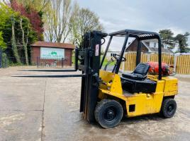 HYSTER CONTAINER SPEC FORKLIFT C/W SIDE SHIFT & 3 STAGE MAST