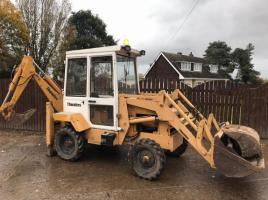 THWAITES ALL ROUND DIGGER C/W SELECTION OF BUCKETS * PLEASE SEE VIDEO *